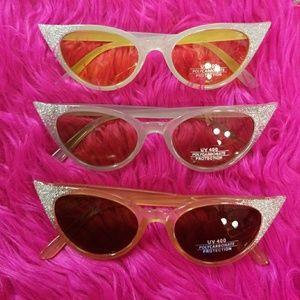 Accessories - Glitter cat eye glasses